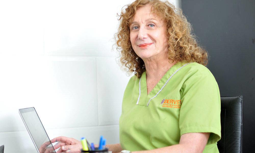Verónica Balazs, Médico Veterinaria y creadora de IDERVET